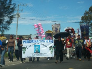 Peregrinacion a Pie march for San Juan de los Lagos at Naranja, Michoacan