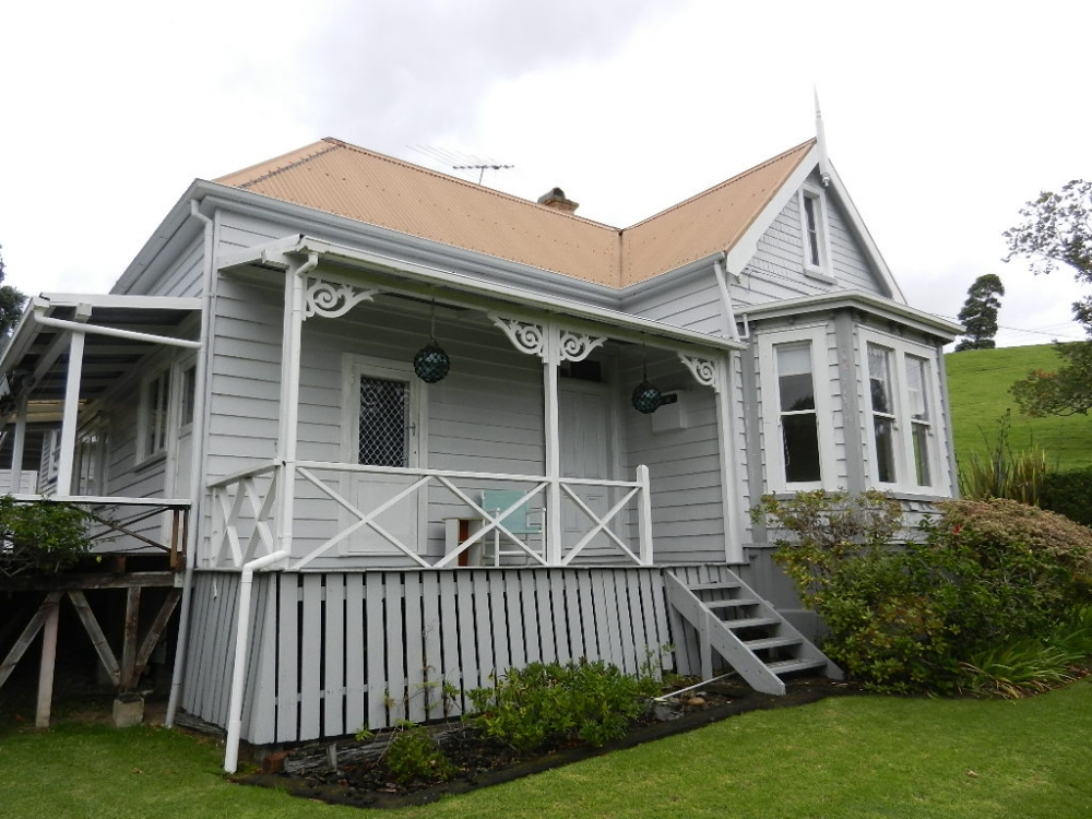 Whakatete Bay Villa, north of Thames, New Zealand