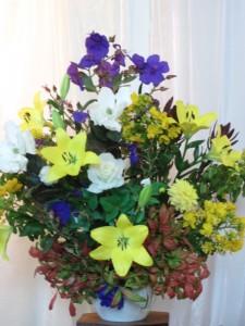 Thames Baptist Church Easter Flowers