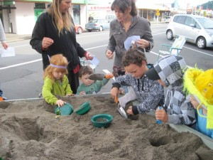 Thames Baptist Church Easter Activity Spring Bulb Dig 2012